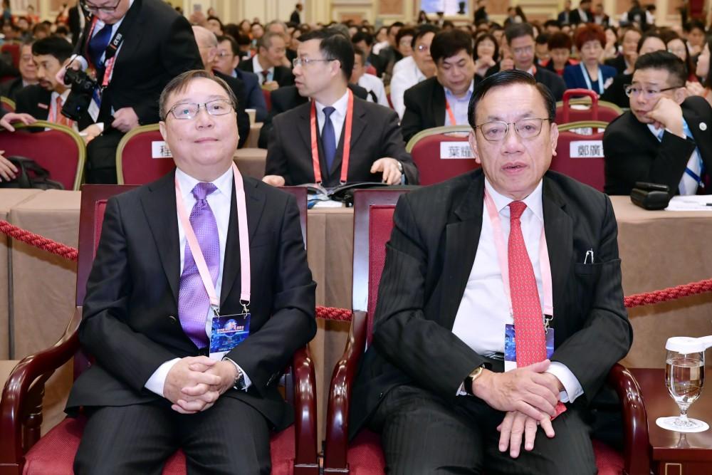 開幕典禮:世界華商菁英會會長周錦榮先生與澳門廠商聯合會理事長馮信堅先生。