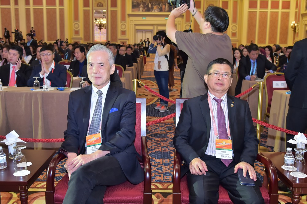 亞太台商聯合總會總會長潘漢唐先生與馬來西亞美裡中華總商會理事長李開運先生