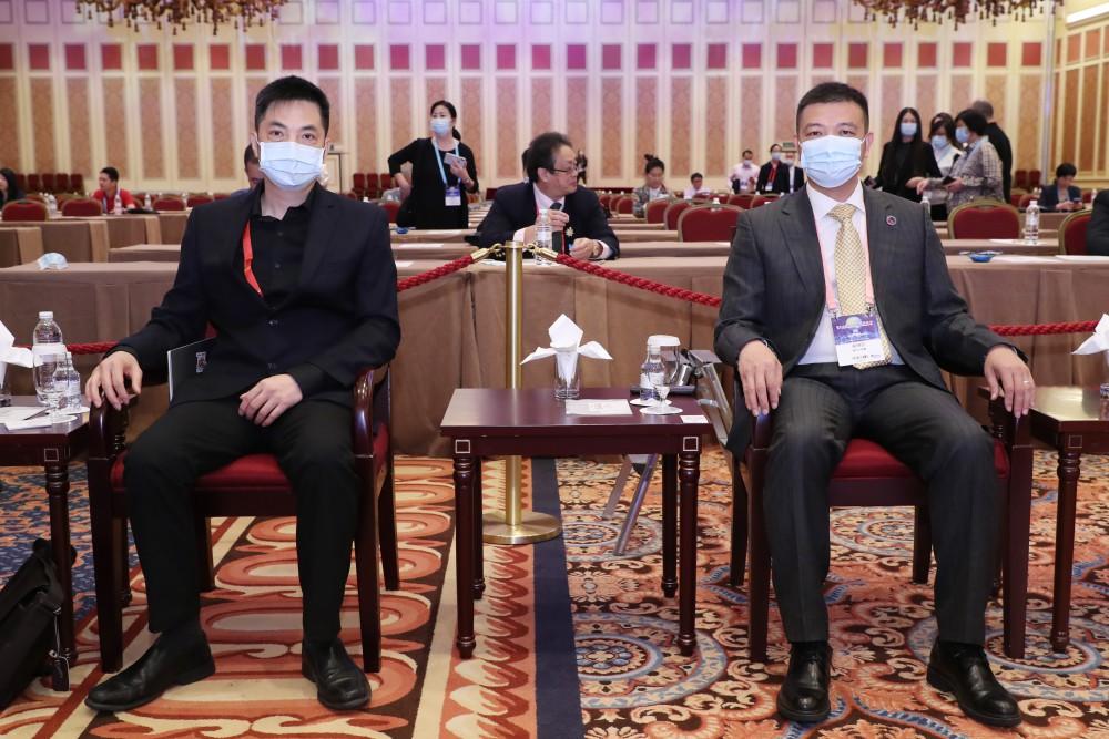 普强時代(珠海橫琴)資訊技術有限公司創始人何國濤先生與常務主席團主席吳瑞珍先生
