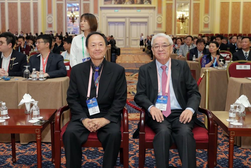 美國華商聯合會會長吳宗錦先生與馬來西亞美里中華總商會名譽會長