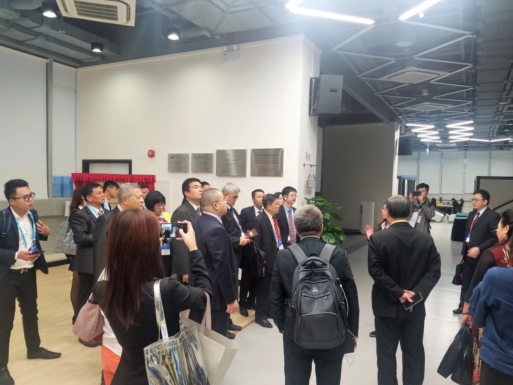 華商代表們參觀澳門青孵化中心