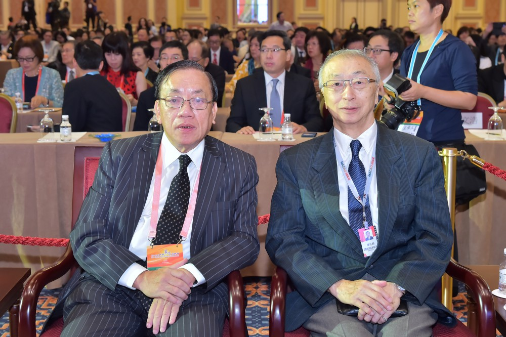 澳門廠商聯合會理事長馮信堅先生與澳門付貨人協會理事長廖玉麟先生