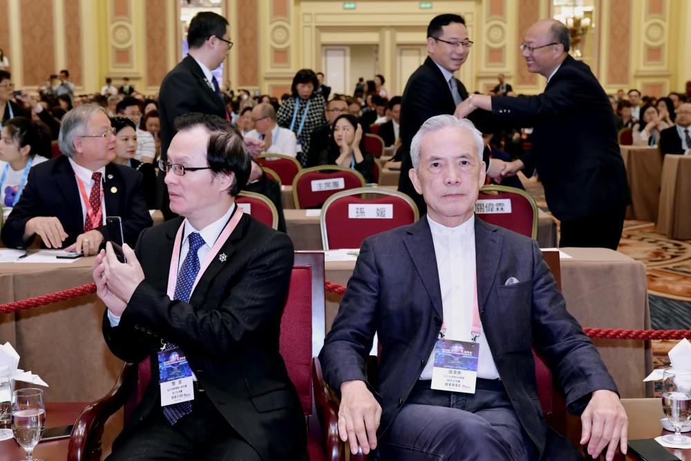 開幕典禮:日本新華僑華人會名譽會長顏安先生與亞太台商聯合總會總會長潘漢唐先生