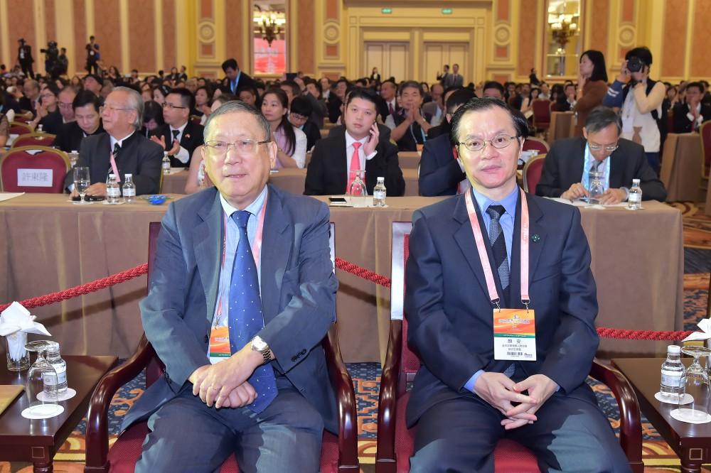 歐華經濟協進會理事長丁偉星先生與全日本華僑華人聯合會會長顏 安先生