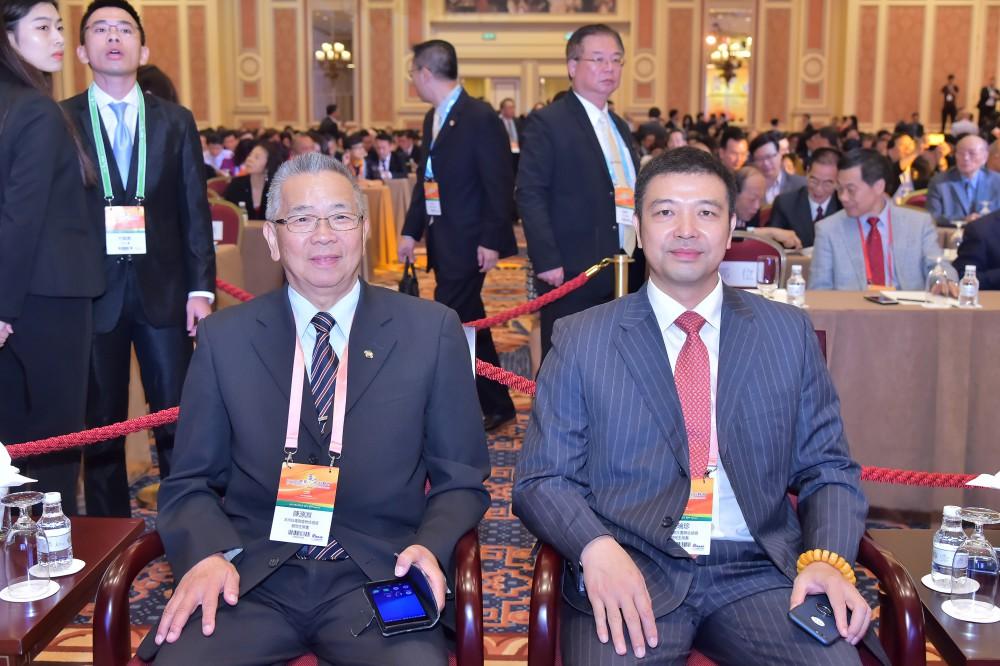 非洲台灣商會聯合總會名譽總會長陳源淵先生與歐洲福建社團聯合總會主席吳瑞珍先生
