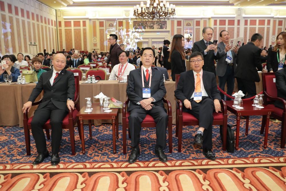 澳門培正中學副校長郭敬文先生、台北市商業會理事長王應傑先生與韓國中華總商會會長宋國平先生