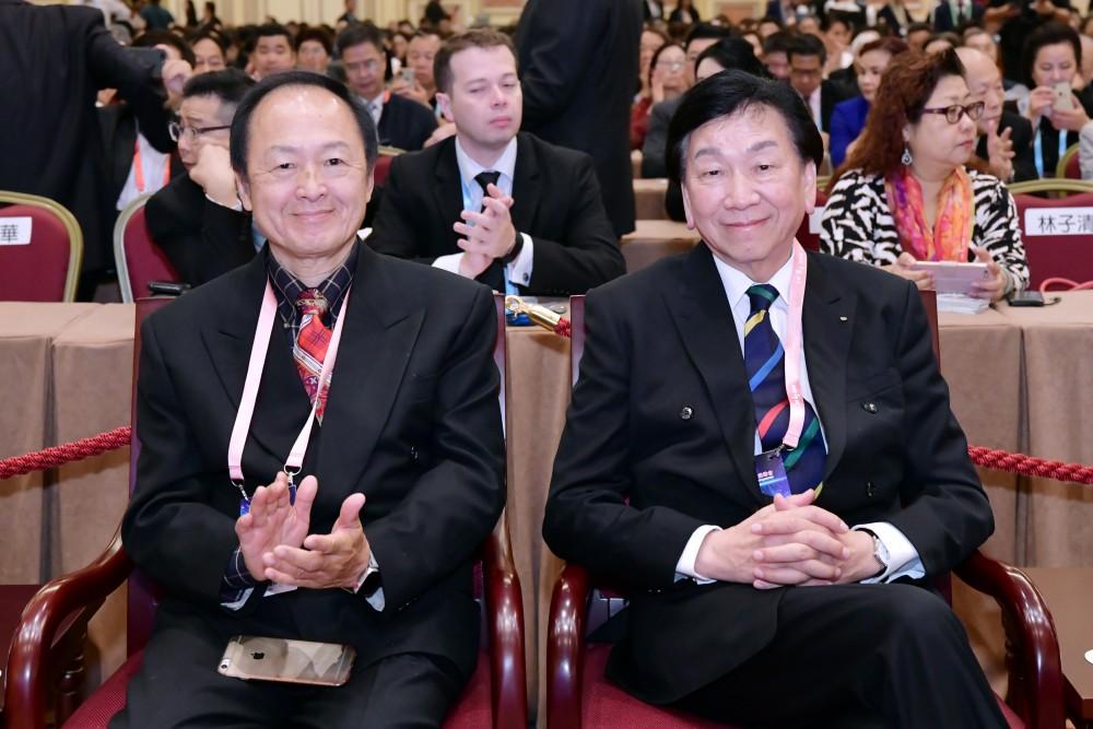 開幕典禮:美國華商聯合會會長吳宗錦先生與國際奧委會資深委員吳經國先生。