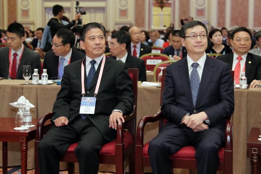 中國國際貿易促進委員會副會長張慎峰先生與中央人民政府駐澳門特別行政區聯絡辦公室副主任孫達先生