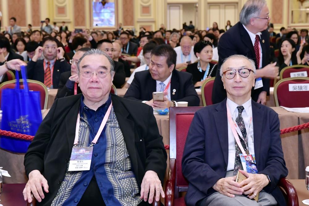 開幕典禮:中華產經文教科技交流協會理事長簡漢生先生與澳門付貨人協會理事長廖玉麟先生。